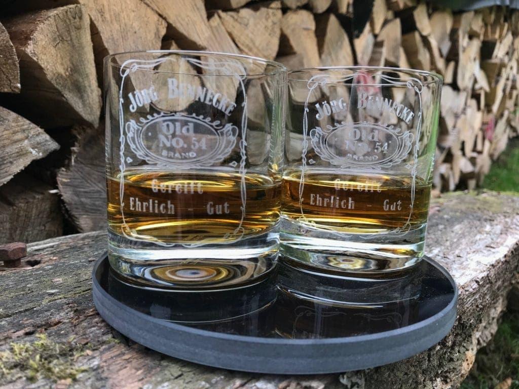 Geschenke für Whiskyliebhaber Whiskygläser mit Gravur Beispiel