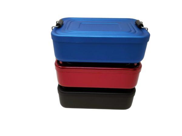 Stapel seitlich Lunchbox mit Gravur rot blau schwarz