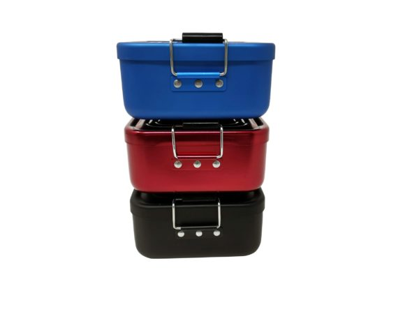 Stapel Lunchbox mit Gravur rot blau schwarz