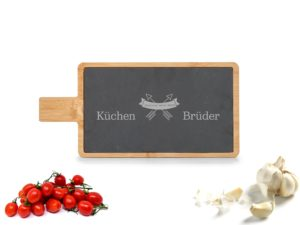 Servierbrett mit Schiefereinlage mit Gravur Beispiel Küchenbrüder
