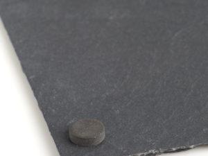 Schieferplatte mit Gravur Unterseite Filzgleiter
